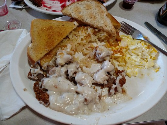 Turtle Lake, WI: Country fried steak, eggs, hash browns,& toast no small portions here! Price is also reasonable.