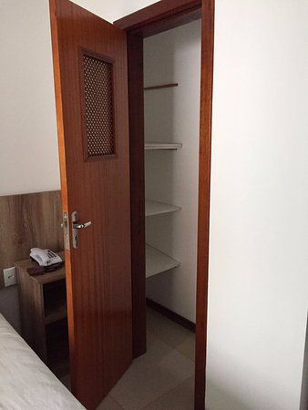Hotel Suica Faber: Closet