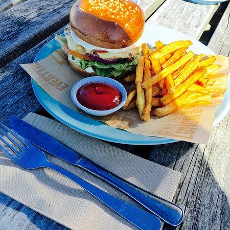 Riverton, نيوزيلندا: Chicken burger
