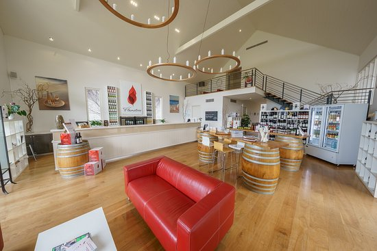 Dunsborough, Australien: Cellar Door inside