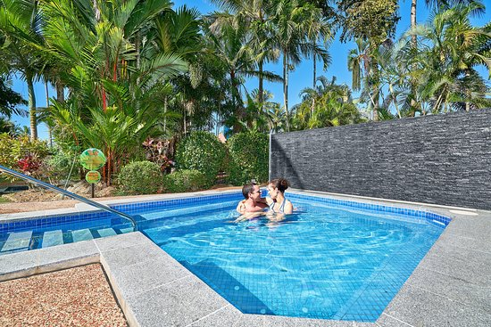 Dunk Island Holidays: Cairns Coconut Holiday Resort