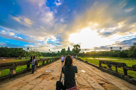 Angkor Heritage Travel