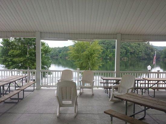 Harriman, TN: Caney Creek RV Resort