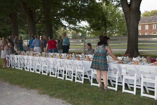 Harrodsburg, KY: Farm to table dinner was at least a feast for the EYES!