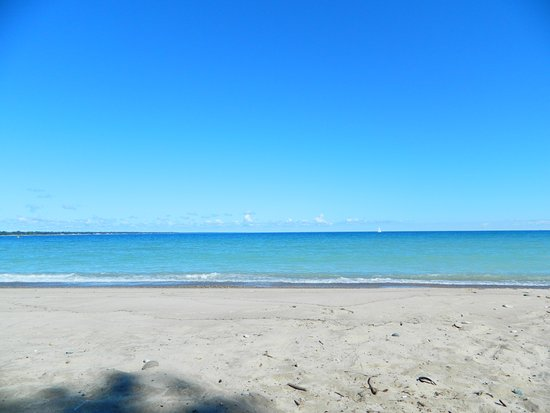 Sarnia, Canada: I went there in the morning .. on my section of the beach, really only me. So quiet and peaceful