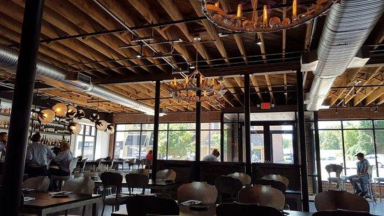 Belmont, Carolina del Norte: the Restaurant. Very cozy
