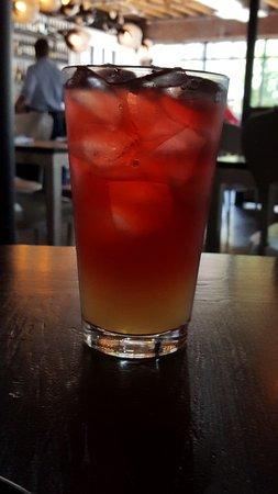 Belmont, Carolina del Norte: Cranberry and Lemon-aid