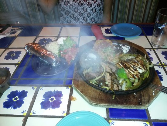 Margaritas Mexican Restaurant: Beef and Chicken Fajitas!!