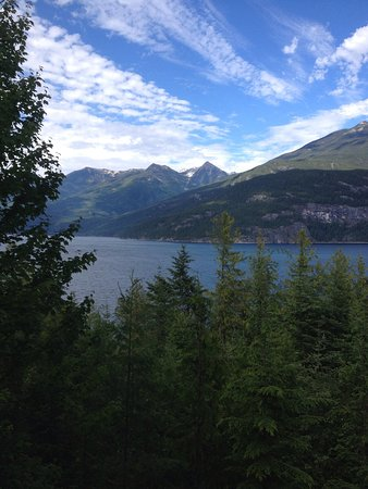 This happens to be The place to find in Kaslo. Quite, beautiful and friendly surroundings with a