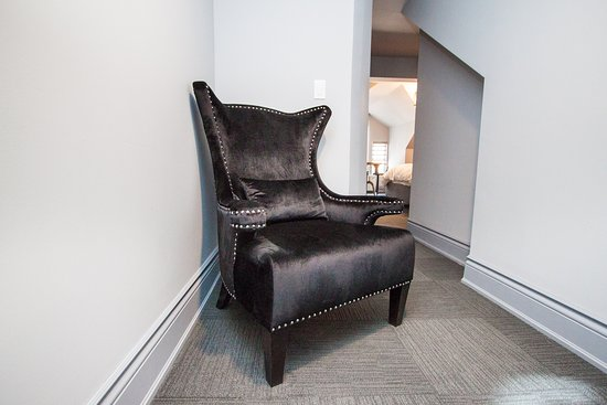 Wellesley Manor Boutique Hotel: Penthouse soft chair