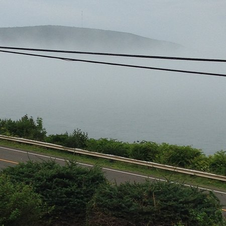 Digby, Canadá: A misty morning view across the Annapolis Basin