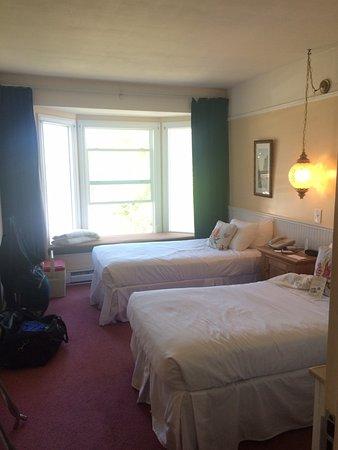 Eastsound, WA: room 16