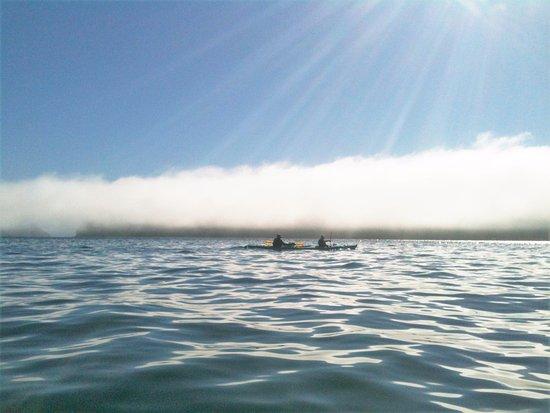 แอนาคอร์เตส, วอชิงตัน: On the water -early am fog
