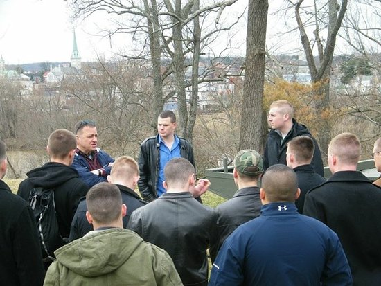 Fredericksburg, Βιρτζίνια: UVA Army ROTC Battle Staff Ride with Official Studeb