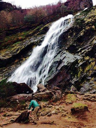 Enniskerry, Ιρλανδία: powerscourt waterfall