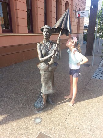 """Maryborough, Australien: Our grand-daughter Alyssa Mulholland - at 8 years old had her book """"Who's In The Grass"""" publishe"""