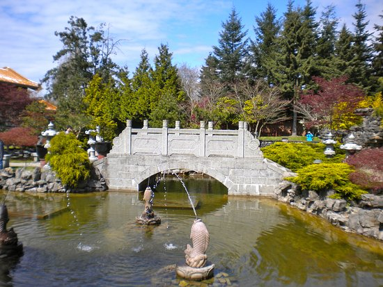 Ричмонд, Канада: Stone bridge