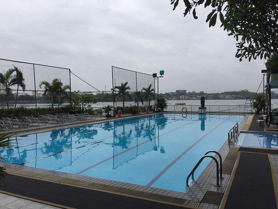 The Hanoi Club Hotel & Lake Palais Residences: Pool by the lakeside.