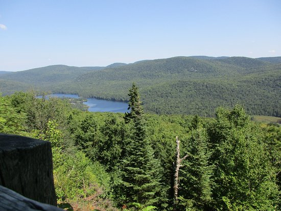 Saint Donat, Canada: View from mountain trail overlook not too far away at Mont Tremblant national park.
