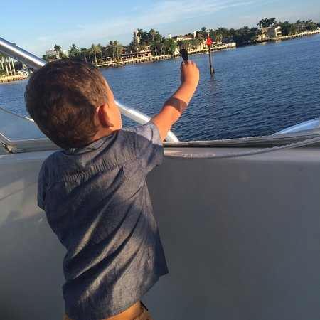 Chasin finz sport fishing charter hollywood fl for Hollywood florida fishing charters