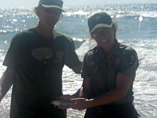Frisco, Caroline du Nord : Surf Fishing with the NPS Rangers!