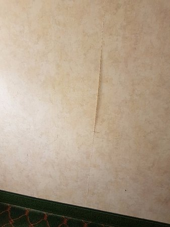 Brownsburg, IN: peeling wallpaper