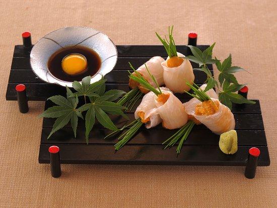 Kaienmaru Musashikosugi: 産直鮮魚の雲丹巻き