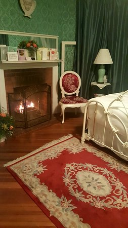 Lenox, MA: Hampton Terrace Bed and Breakfast Inn