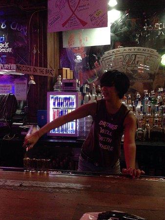 Coyote Ugly Saloon: photo2.jpg
