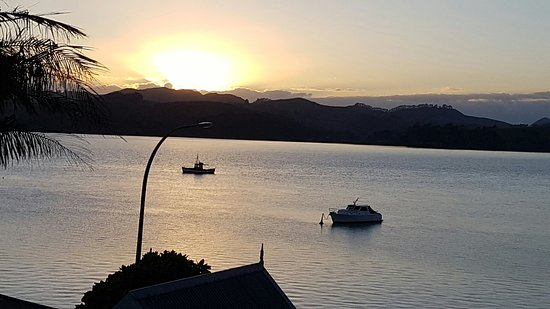 Mangonui Waterfront Apartments: 20160819_071341_large.jpg
