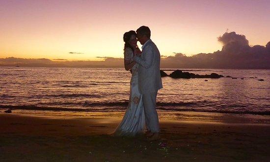 Taveuni Palms Resort: Sunset wedding