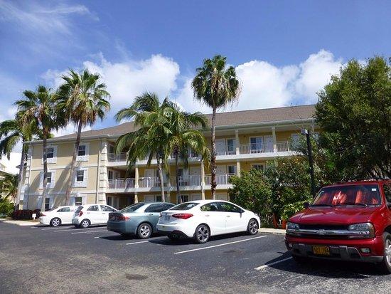 Sunshine Suites Resort: 外観