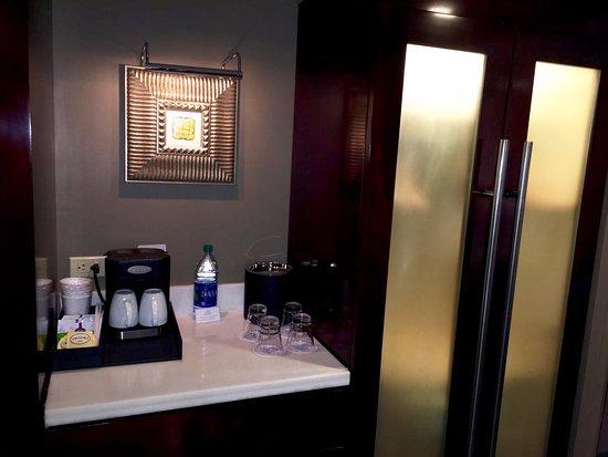 Disneyu0027s Contemporary Resort: Coffee/closet/fridge Area In Our Room