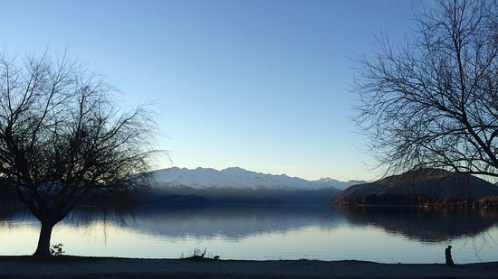 Lake Wanaka in the afternoon.