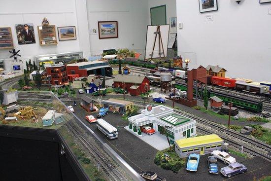 Antique Automobile Club of America Museum : A huge model train room.