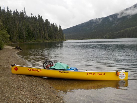 Cariboo, แคนาดา: Issac Lake - morning paddle