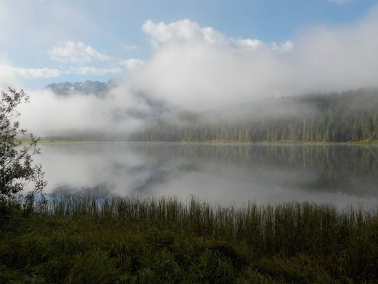 Cariboo, Canadá: Mist Clearing in the morning