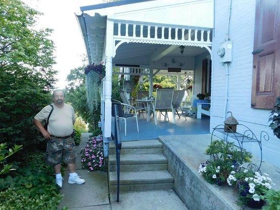 Terre Hill, Pensylwania: Side Porch