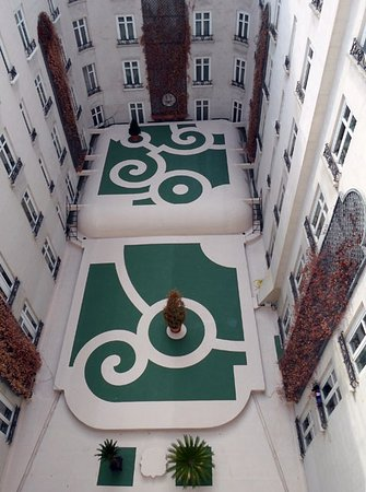 Hotel Ritz, Madrid: interior courtyard, view from our window