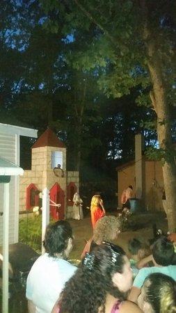 Tip Tam Camping Resort: 20160820_201736_large.jpg