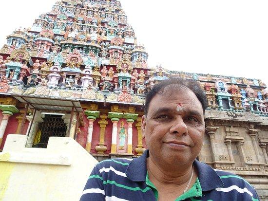Adi Kumbeswarar Temple: In front of Temple