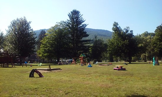 Bartlett, NH: Huge playground with shady trees, lawn chairs, picnic tables, and well-kept play structures