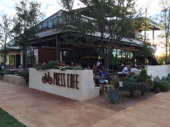 Press Cafe: Wonderful Patio Area   Especially In Fall/spring