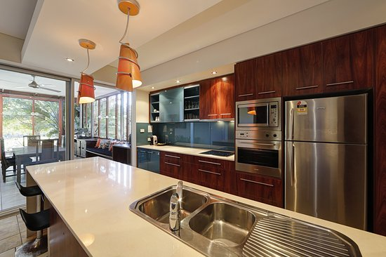 Agnes Water, Australia: Stylish full sized kitchen