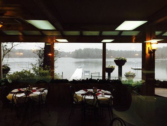 Louisville, Mississippi: Lake Tiak-O'Khata Restaurant