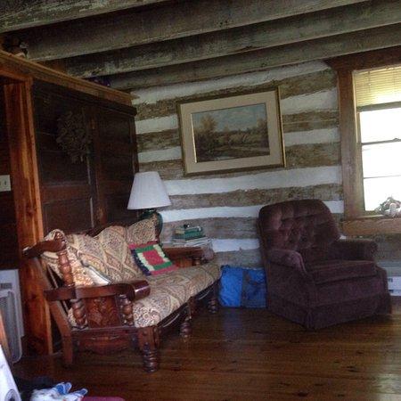 Olde Squat Inn Bed and Breakfast : photo2.jpg