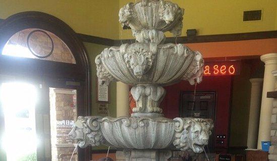 Keller, TX: Huge, beautiful fountain inside