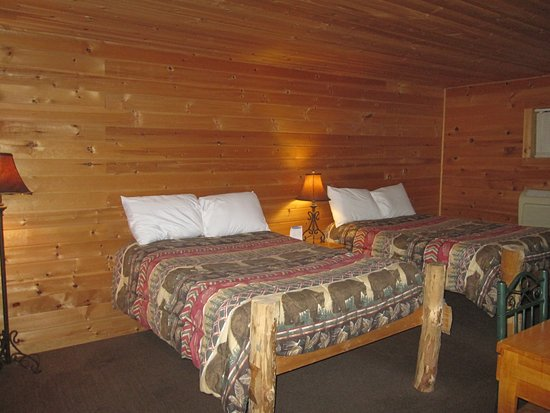 Rustic inn prices guest house reviews park rapids mn for Rustic home decor park rapids mn