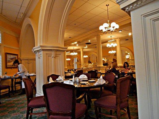 Menger Hotel: Colonial Restaurant
