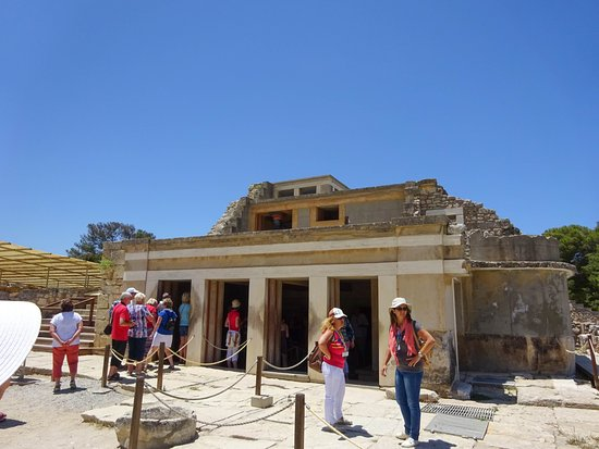 Knossos Archaeological Site: An Heraklion must see